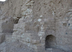 Un acueducto romano del siglo I a. C. de Osuna ha sido totalmente destruido en un expolio en el que se han sustraído todos los ladrillos de barro que lo formaban, en total han sido expoliadas 215 piezas
