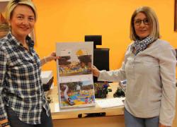 Las familias del municipio almeriense de Roquetas de Mar podrán disfrutar de una zona más amplia de juegos infantiles en la Avenida de la Paz gracias a los trabajos de reforma realizados a petición popular