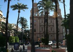 La Asociación 'Iniciativa Huelva' continúa con su labor de estudiar y debatir sobre las cuestiones más relevantes de la sociedad, convocando una mesa redonda acerca de la riqueza patrimonial onubense
