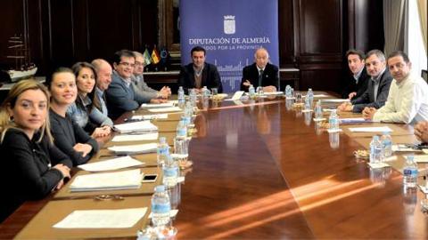 Olula de Río realizará mejoras en las infraestructuras del municipio y las carreteras de los alrededores gracias a una inversión de 800.000 euros que la Diputación llevará a cabo en la provincia