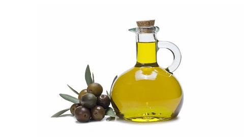 Formar sobre los distintos tipos de aceite y su forma de producción es el objetivo de la XV edición del taller que lleva a cabo la Asociación para el Control de Calidad de los Aceites de la Comarca de Priego