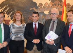 Mejorar la gestión municipal mediante el uso correcto de las Tecnologías de la Información y la Comunicación es el objetivo de la iniciativa Marbella Ciudad Conectada lanzada mediante una aplicación móvil