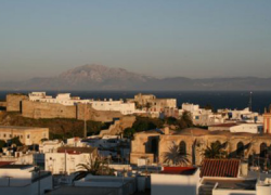 Tarifa presenta una 'hoja de ruta' para favorecer el desarrollo sostenido del sector turístico buscando atajar la estacionalidad, fomentar la profesionalización y la unión entre los integrantes del sector