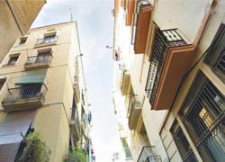 Alrededor de 2000 empleos serán generados por la rehabilitación de espacios y viviendas públicas en barriadas de 20 municipios de las ocho provincias andaluzas, como Morón de la Frontera, Casares o Jerez