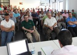 Más de 130 profesionales del primer sector se reúnen en Alcalá la Real parar asistir a un acto informativo sobre las ayudas de modernización para explotaciones agrarias que promueve la Junta de Andalucía