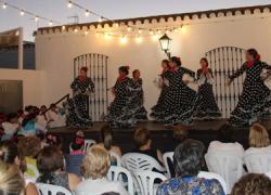 Una cena de convivencia clausurará esta noche la Semana Cultural de la Asociación Andaluz Universal de Moguer destinada a potenciar el ocio y tiempo libre de las personas mayores del municipio onubense