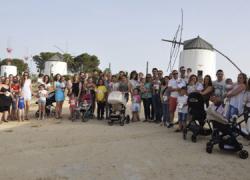 Más de treinta familias de Vejer de la Frontera participan en el programa 'Un árbol, un niño' mediante el cual cada bebé de nuevo nacimiento apadrina simbólicamente un árbol de la Ciudad de la Infancia