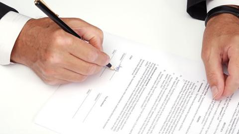 Los contratos indefinidos crecen un 70% en los últimos cinco años en Carmona, registrando en lo que va del presente año un total de 198 nuevas contrataciones, según los datos del Servicio Andaluz de Empleo