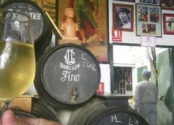 Los viticultores de mostos urbanos de Trebujena reciben una serie de amenazas, falsamente firmadas por el Consejo Regulador del Vino, para que cesen su actividad