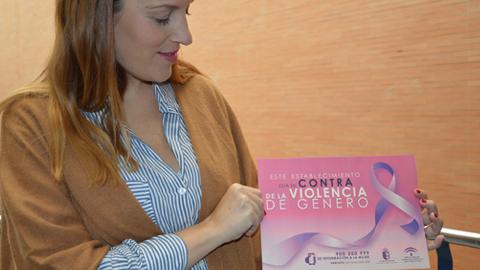 Los comercios de Almonte lucirán carteles en contra de la violencia de género constituyendo una red de establecimientos comprometidos contra esta lacra