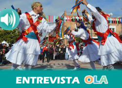 Fuente Carreteros celebra el Día de los Santos Inocentes con sus tradicionales 'Danza de los Locos' y 'Baile del Oso', herederas de los colonos y únicas en España