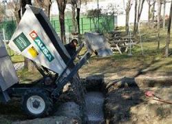 El nuevo Centro Cívico Deportivo Municipal de Castilblanco de los Arroyos pretende abrir sus puertas al público durante los meses del próximo verano