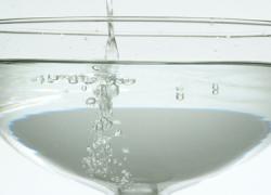 Las recientes obras hidráulicas y los trabajos de la desaladora de Roquetas de Mar consiguen reducir la salinidad de su agua mejorando la calidad de la misma