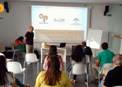 EMA-RTV lleva la iniciativa 'Ponte al día, lee prensa' a Arahal, La Rambla y Escacena del Campo