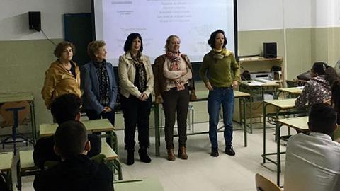 Varias asociaciones de mujeres desarrollan un taller sobre micromachismos en un instituto de Benalup – Casas Viejas