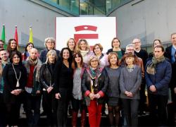 La iniciativa 'Mochila Violeta' reparte lotes de libros no sexistas entre 23 localidades granadinas