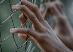Málaga Acoge exige una investigación profunda y la paralización de las devoluciones ante el suicidio de una persona inmigrante en la cárcel de Archidona