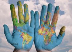 La Onda Local de Andalucía inicia este lunes la emisión de 'Abriendo Fronteras' para sensibilizar sobre los procesos migratorios, las personas refugiadas y los derechos de las minorías étnicas y religiosas