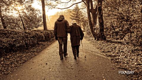 Fuengirola pone en marcha un proyecto social para que personas mayores con escasos recursos compartan piso