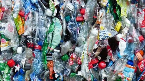Torrox estudia municipalizar el servicio de limpieza y recogida de residuos de la localidad