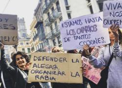 Marchas feministas recorren las calles en defensa de las políticas de igualdad en Andalucía