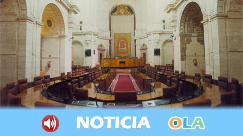 El Parlamento andaluz acoge el primer pleno ordinario de esta legislatura explicando las nuevas estructuras del Gobierno