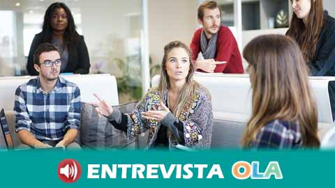 Las mujeres cobran en Andalucía casi 4.000 euros menos que los hombres